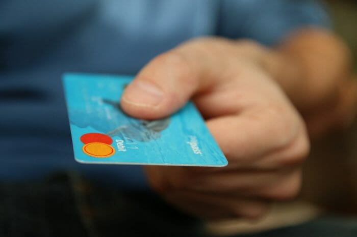 Mobile-based prepaid cards are changing the way Millennials bank. Although still starting in Spain, the UK acts as an example of the changes that could come in the mid term.